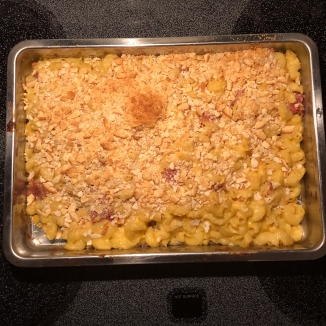 Pan of baked macaroni and cheese